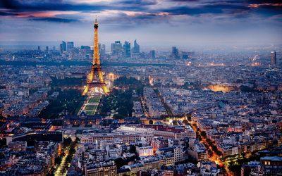 Thành phố Paris nước Pháp lúc rạng sáng